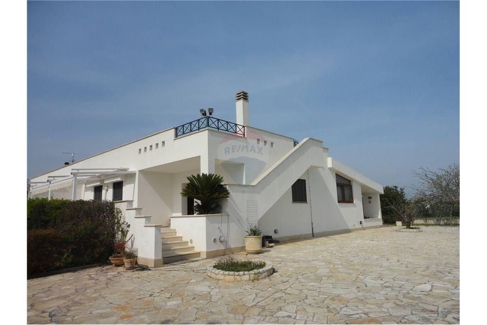 145 Sqm Multi Family For Sale 2 Bedrooms Located At Monopoli Italy
